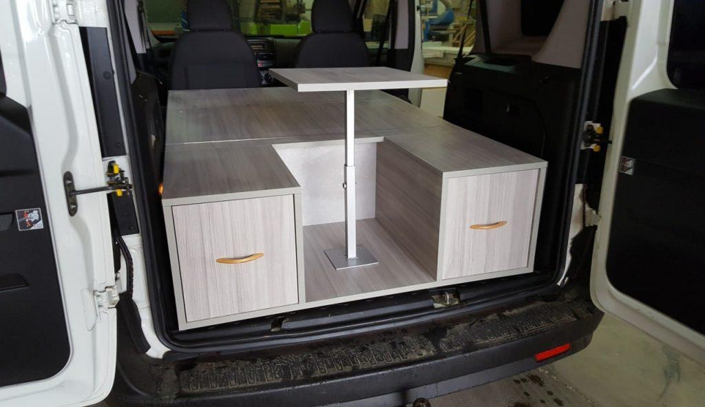 Con una cama y algún mueble ya se puede homologar cómo furgón vivienda