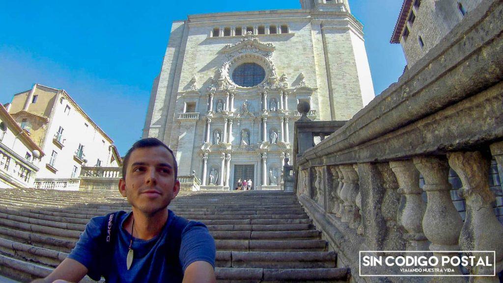 Escaleras y fachada principal de la Catedral de Girona