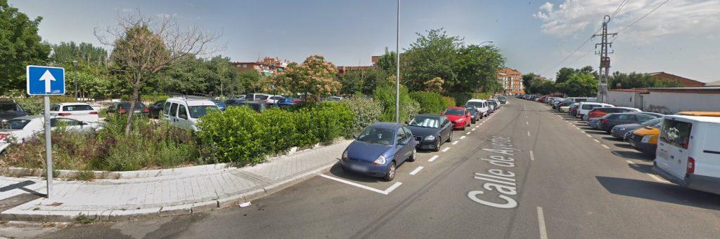 Zona de parking gratis cerca de Barajas