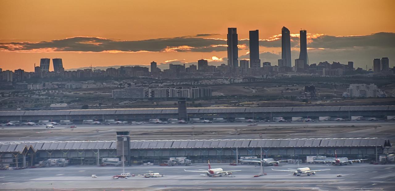 Resultado de imagen para aeropuerto madrid barajas