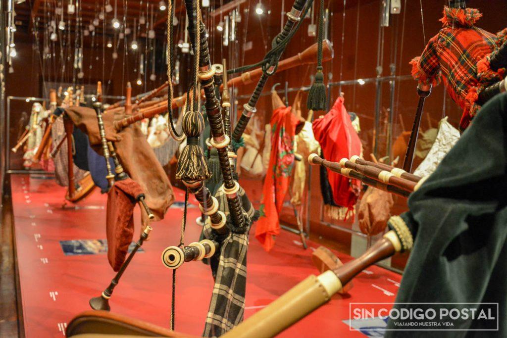 Gaitas tradicionales en el museo del pueblo de Gijón
