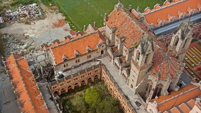 Preciosos tejados de la Universidad Pontificia