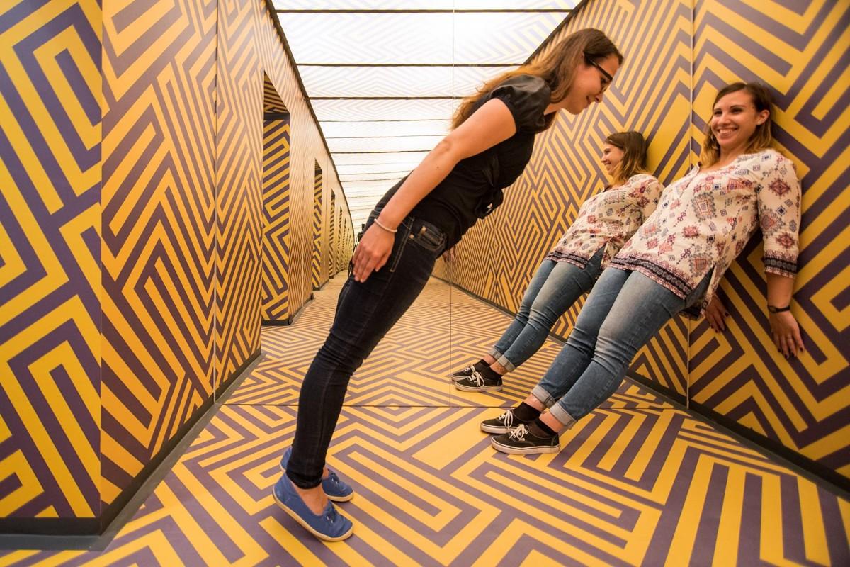 fotos con ilusiones ópticas en el museo de Liubliana