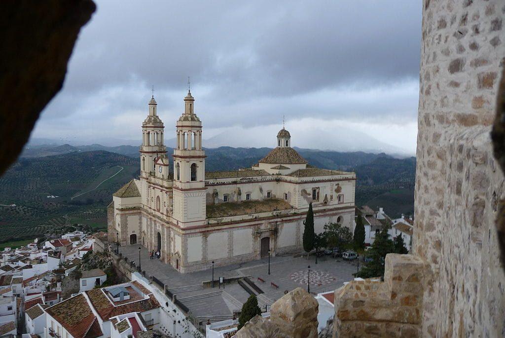 Iglesia de Olvera desde el Castillo