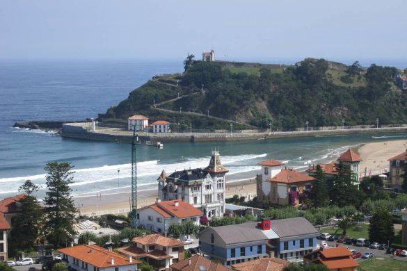 Paseo marítimo y playa en Ribadesella
