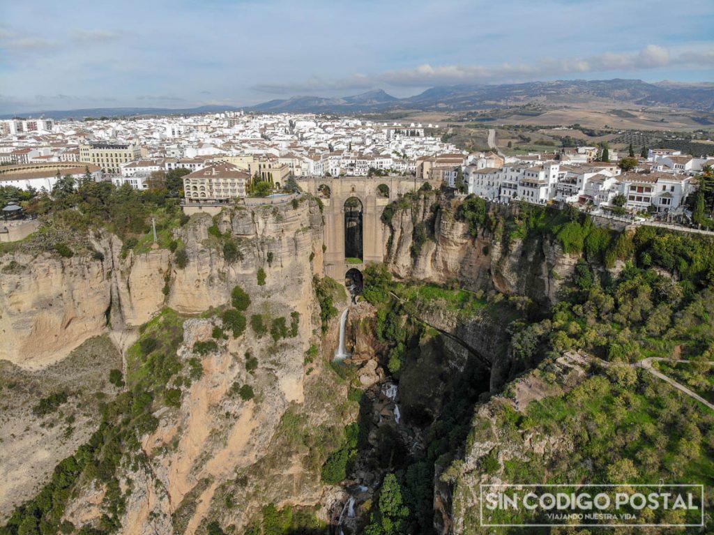 Imagen aérea de Ronda con el puente Nuevo