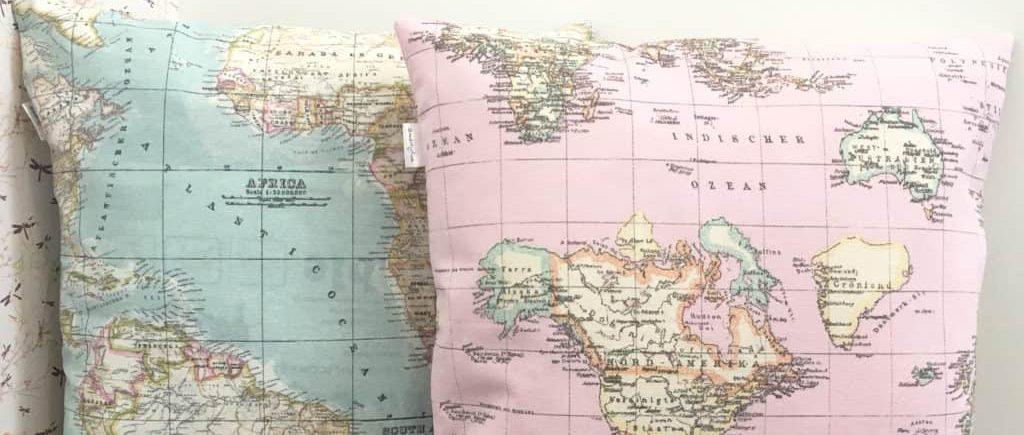 Cojín con el mapa del mundo