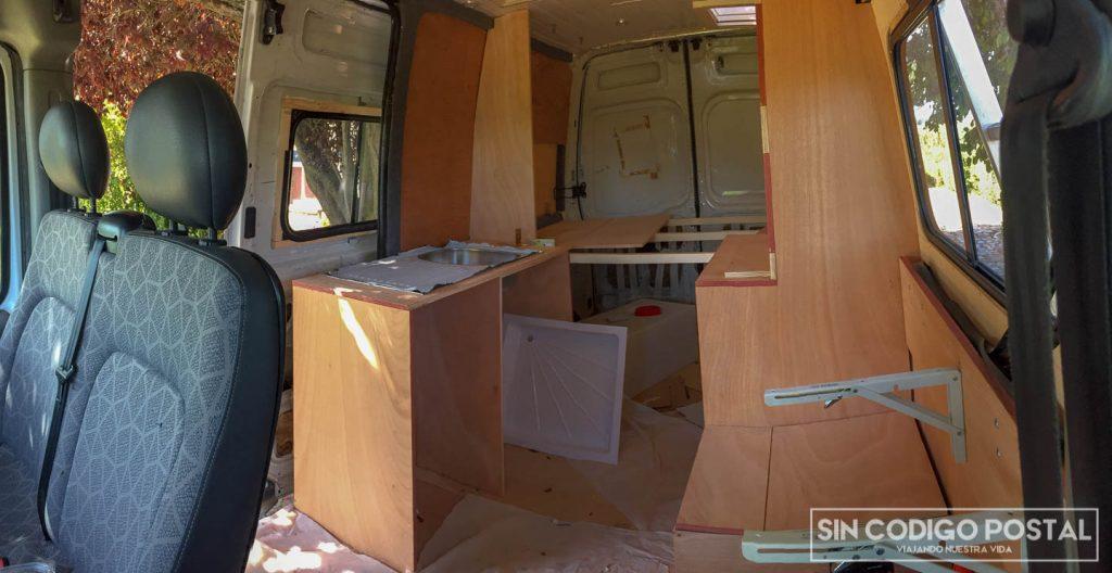 Construcción de muebles para la furgoneta camper