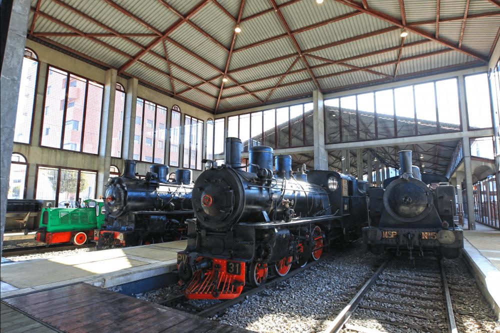Locomotoras en el museo del ferocarril de Ponferrada