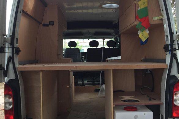 Cómo construir muebles para una furgoneta camper