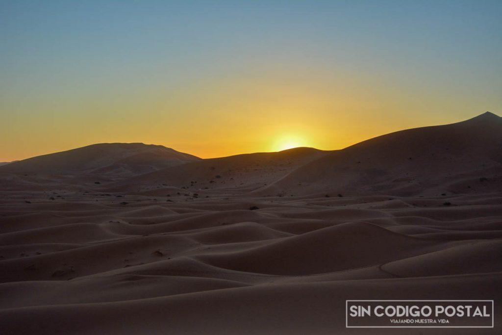 amanecer el el desierto marruecos