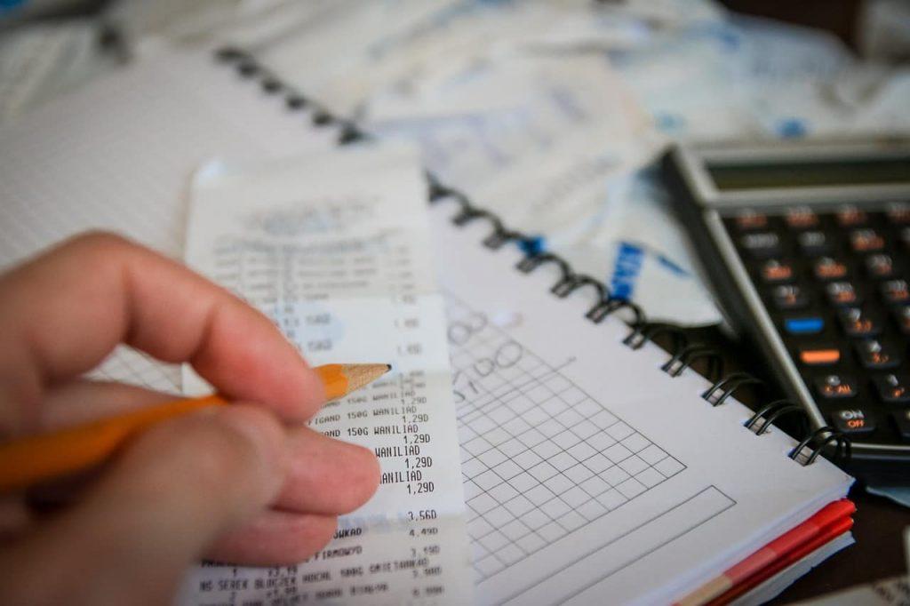 Apunta y suma todos tus gastos mensuales