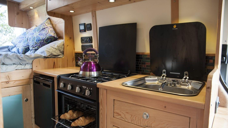 ¿Por que no añadirle directamente un horno a la furgo?