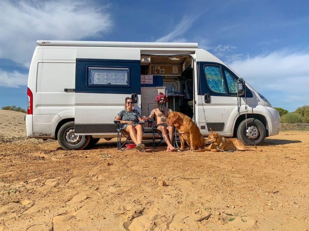 Nosotros en la furgo, en Huelva