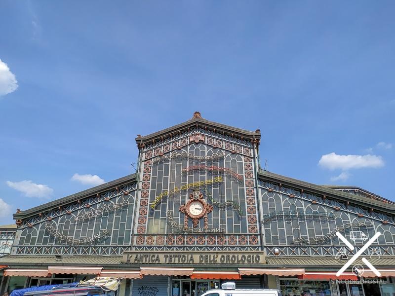 Mercado de la Plaza de la República en Turín