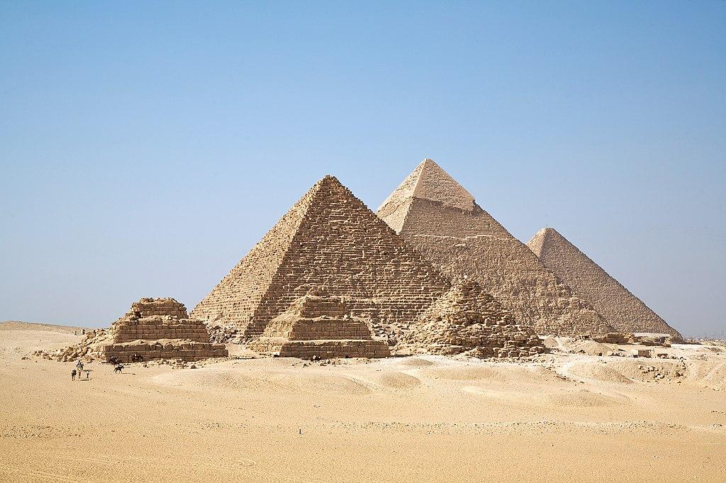 Las pirámides de Guiza son tal vez el monumento Egipcio más reconocible