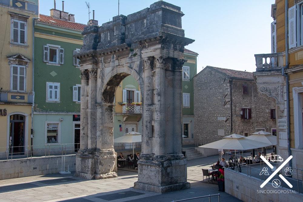 Puerta de Sergio