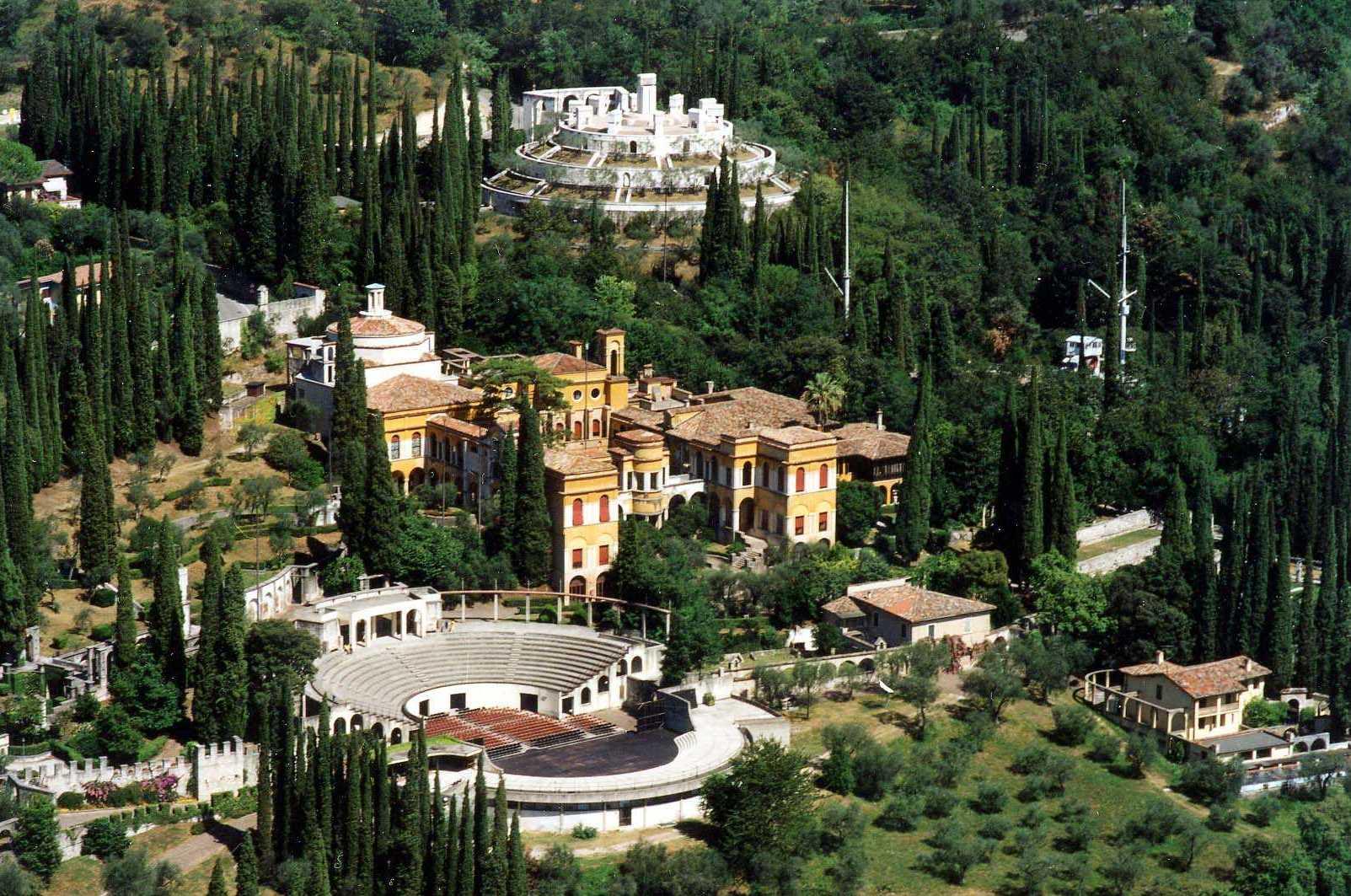 Vista aérea del Vittoriale degli italiani
