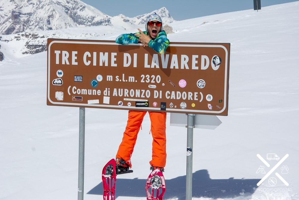 Así está el cartel de Tre Cime di Lavaredo en invierno...