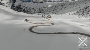 Los puertos de montaña están llenos de curvas