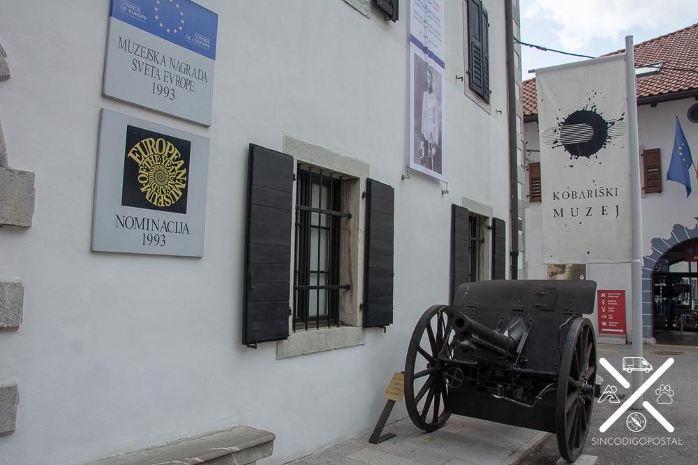 Entrada al museo de Kobarid