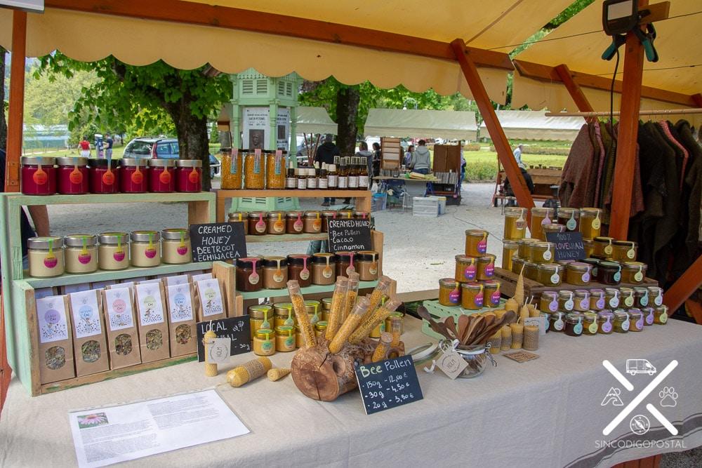 Eslovenia pequeño mercado en Bled