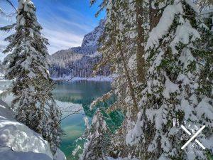 Reflejo en el agua de los Dolomitas