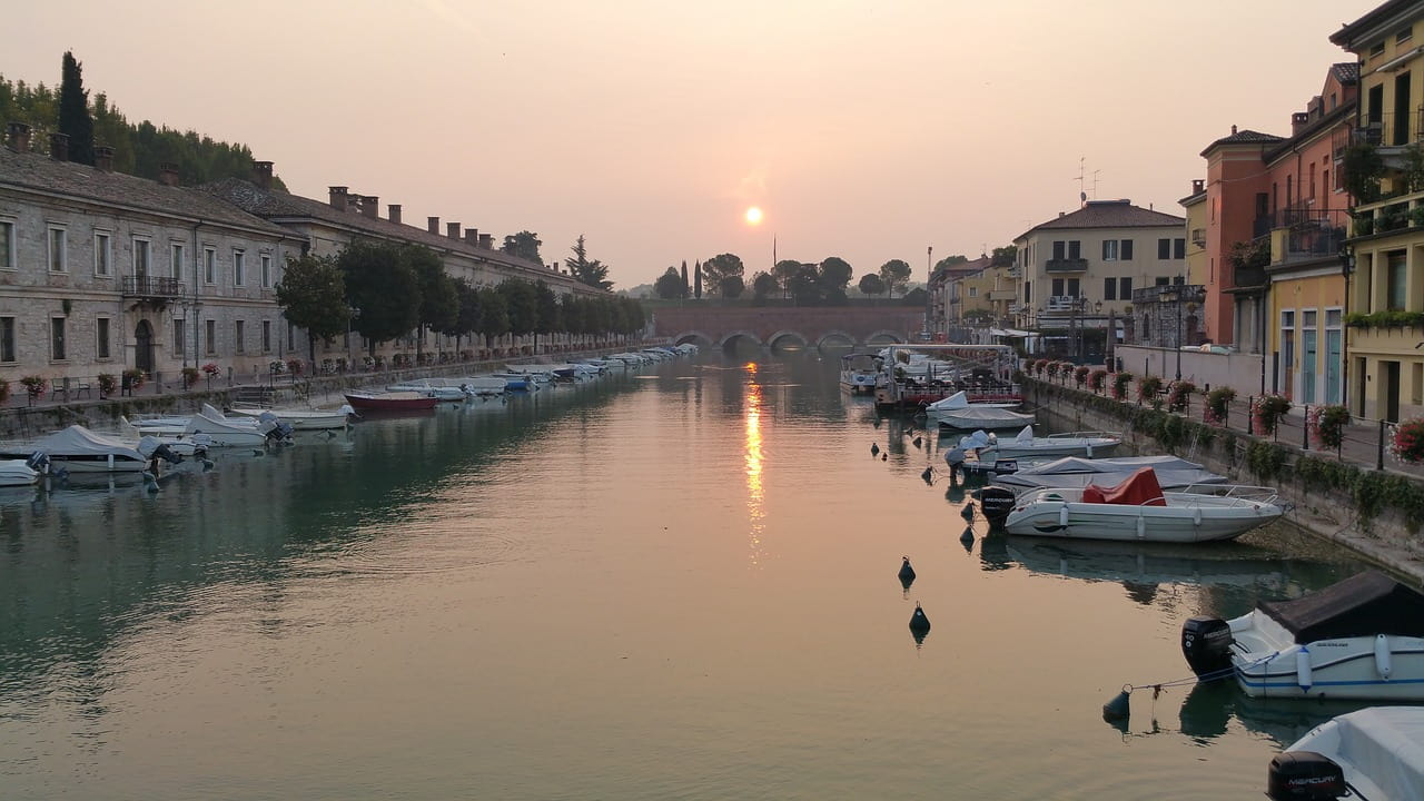 Canal de Peschiera del Garda