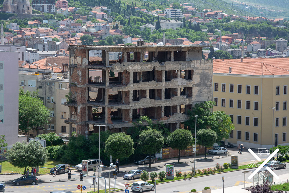 Edificios tiroteados y abandonados en Mostar