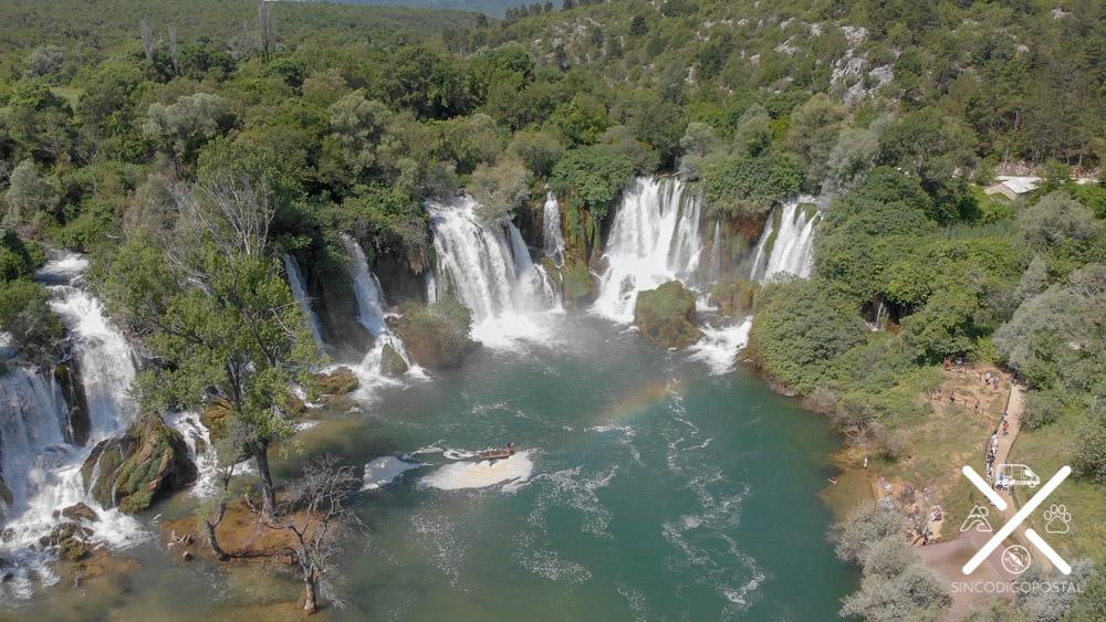 Impresionantes Cascadas de Kravica