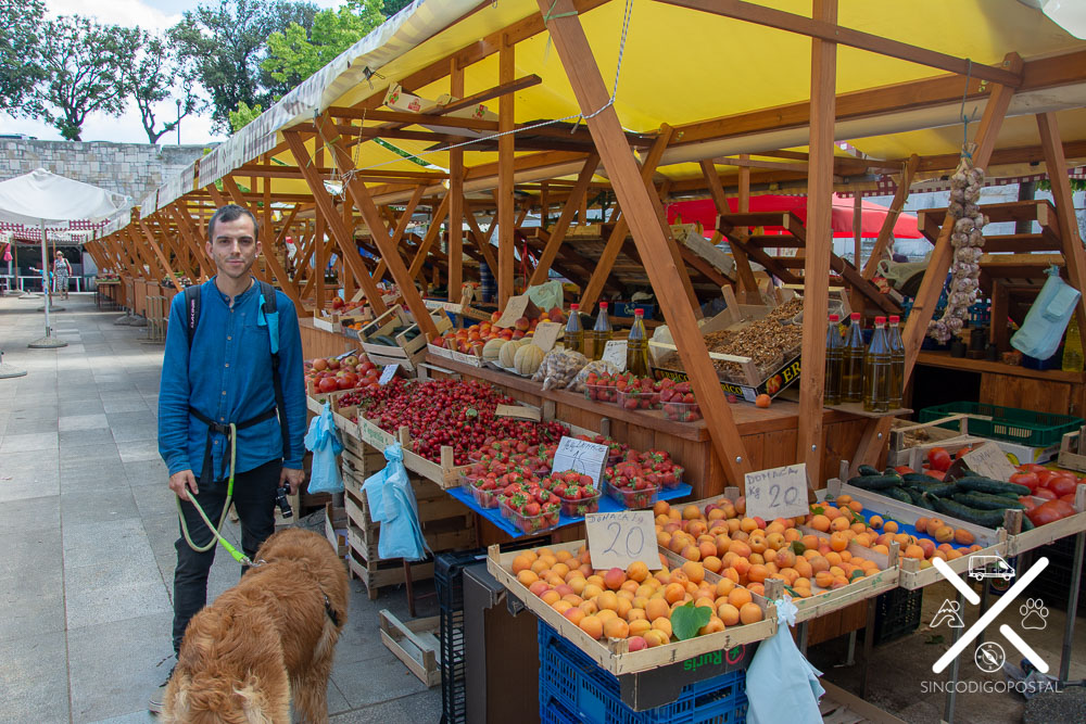 Mercado local de Fruta y Verdura