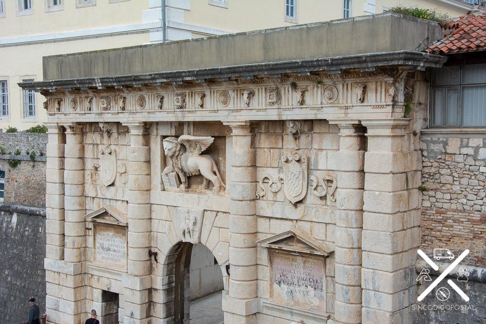 Puerta TerraFerma de Zadar