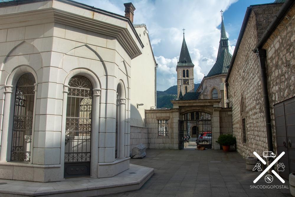 Iglesia Sagrado Corazón y casa de la cultura