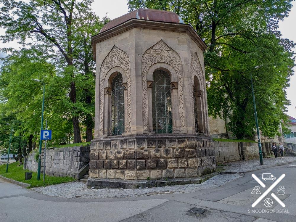 Monumentos para la oración musulmána en Bihac
