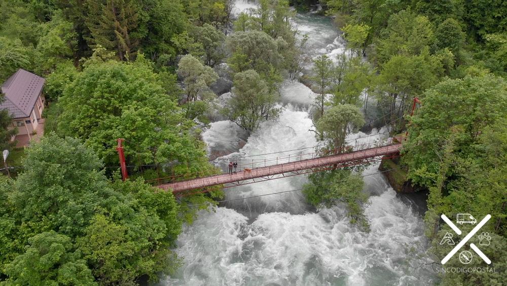 Puente de las cascadas de Martin Brod