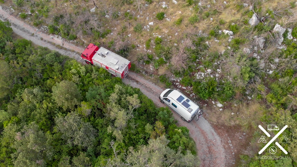 Foto desde el dron de nuestro vehículo de salvamento :)