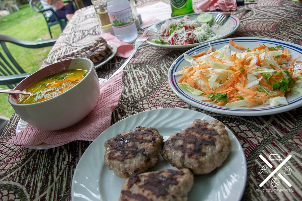 Elección de platos típicos para comer en Monasterio de Rila