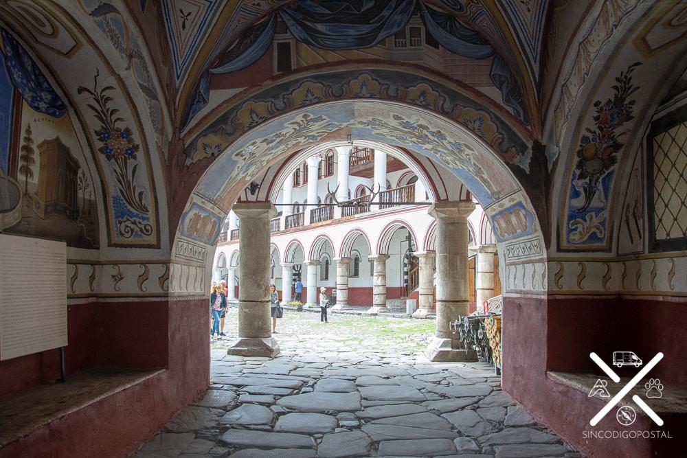 Entrada Monasterio de Rila