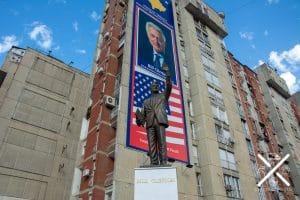 Estatua de Bill Clinton