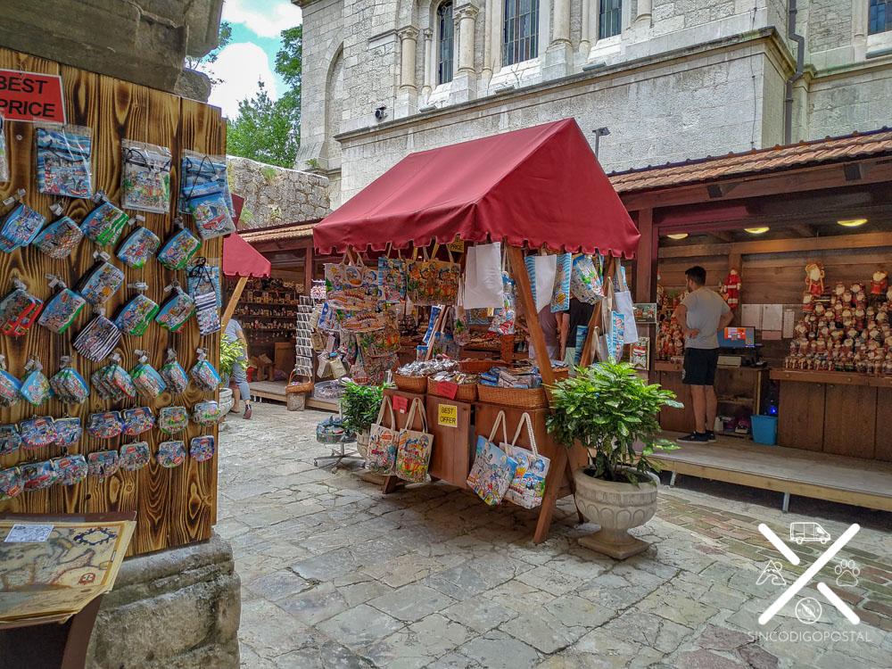 Mercado artesano de Kotor