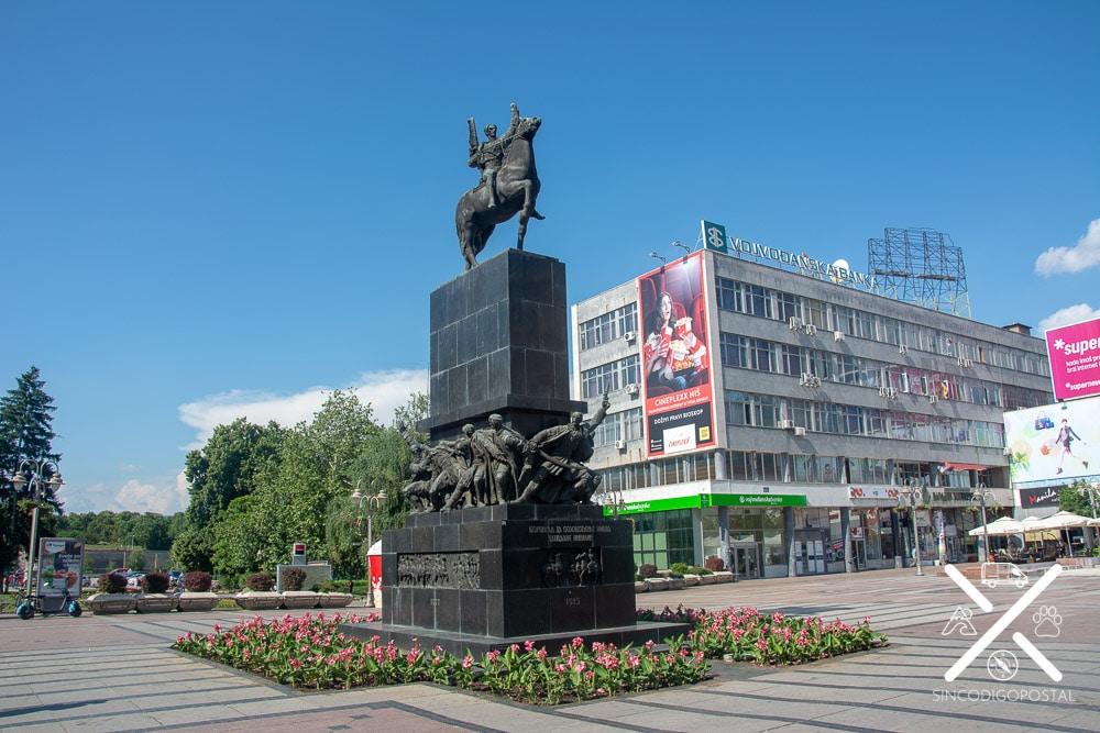 Estatua gigante del Zar Libertador