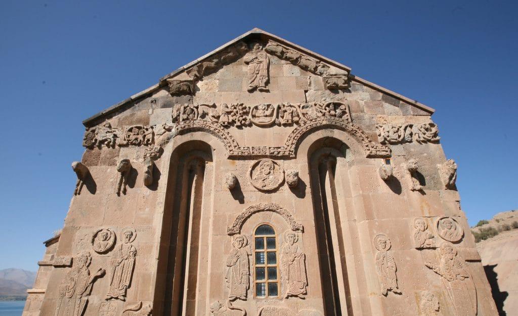 Fachada de la Catedral Armenia Akdamar