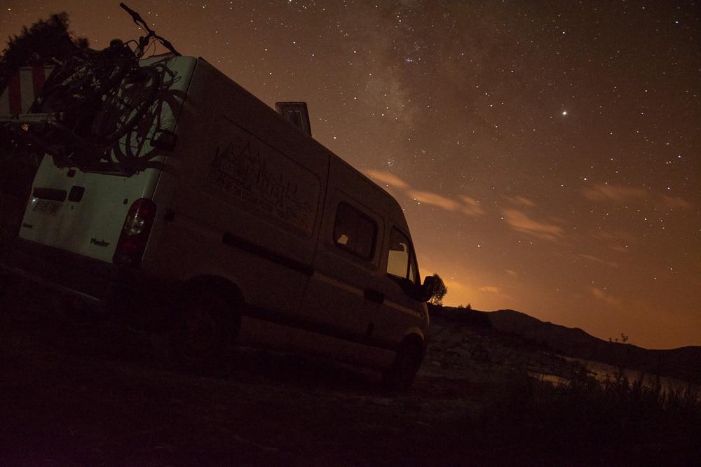 Noche estrellada en el volcán Nemrut