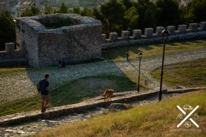 Paseo por dentro del Castillo de Berat