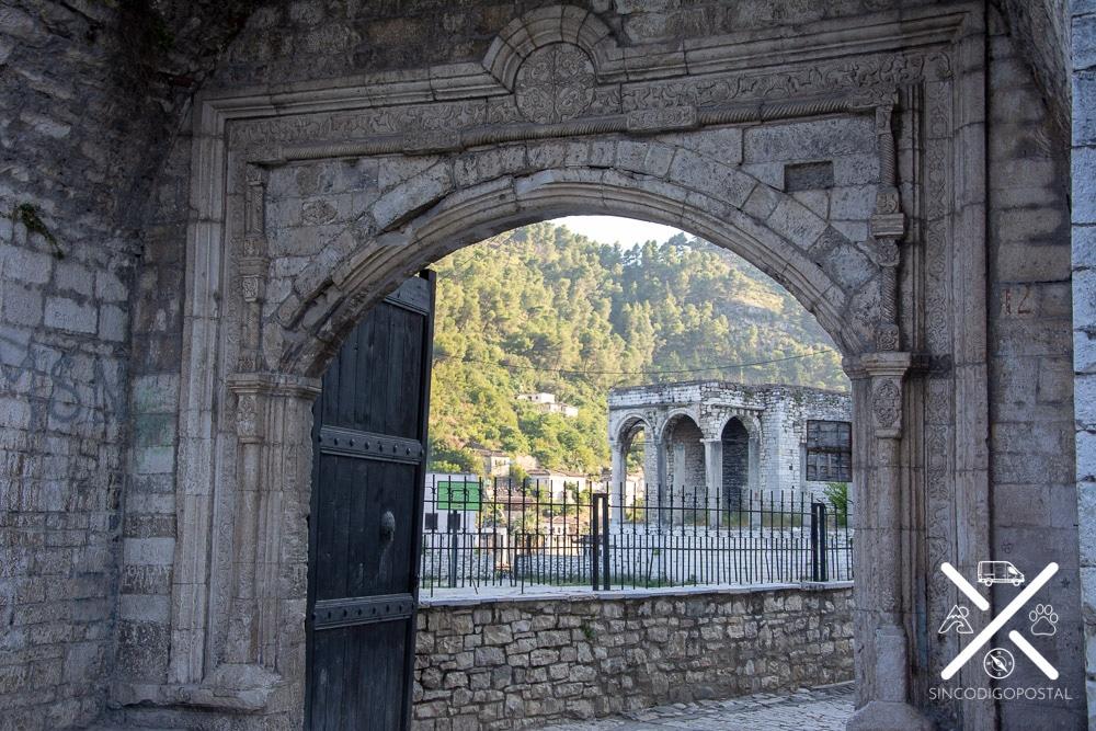 Una de las entradas al Palacio de Pasha