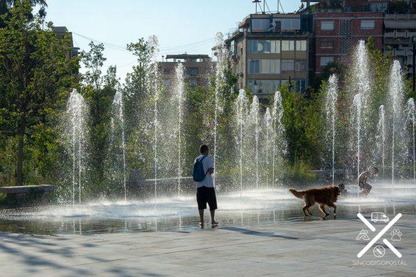 Fuente en la Plaza Skanderbeg