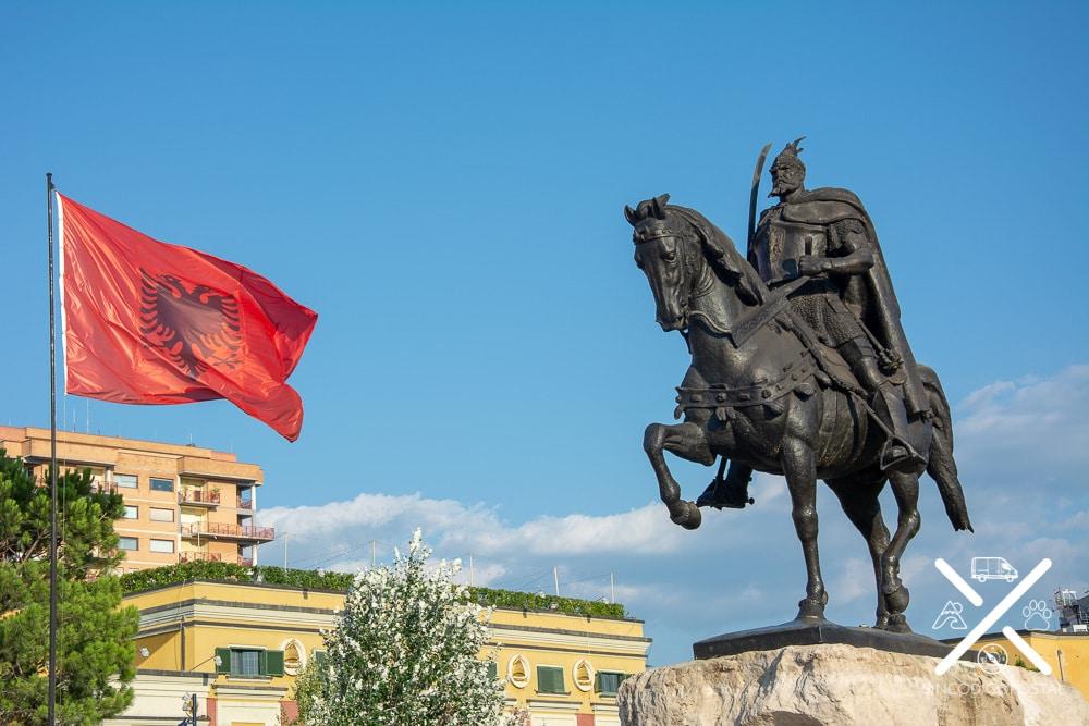 Plaza de Skanderbeg