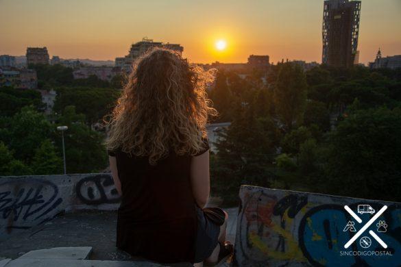 Puesta de Sol desde lo más alto de la pirámide de Tirana