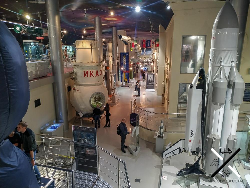 Museo de la Cosmonáutica desde el segundo piso