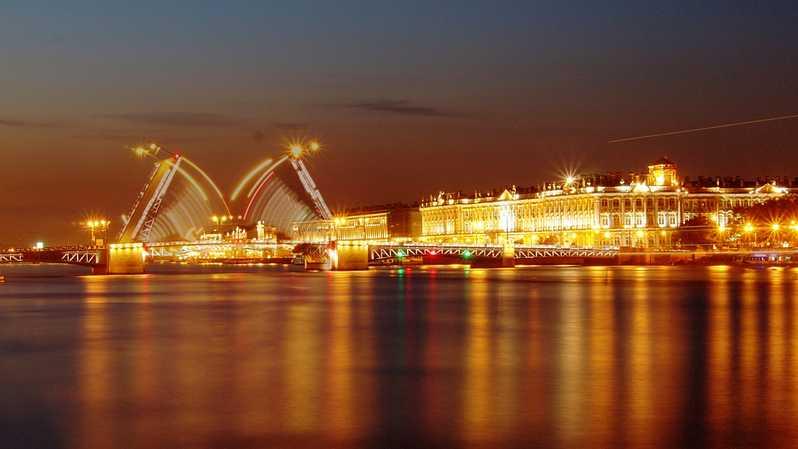 Puentes levadizos de San Petesburgo